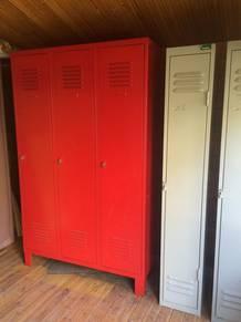 Armoire industrielle rouge d 39 occasion petites annonces - Armoire industrielle occasion ...