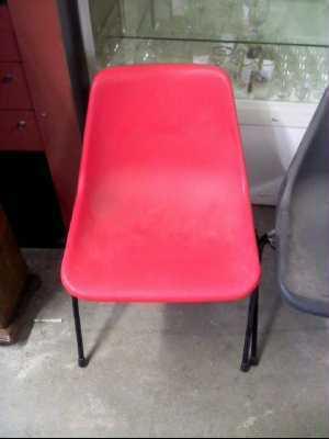 chaise plastique couleur d 39 occasion. Black Bedroom Furniture Sets. Home Design Ideas