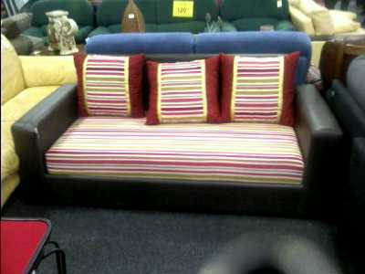 canape 3 places raye en l 39 etat d 39 occasion. Black Bedroom Furniture Sets. Home Design Ideas
