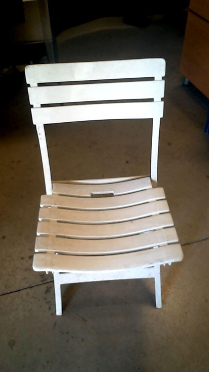chaise pliante plastique d 39 occasion. Black Bedroom Furniture Sets. Home Design Ideas