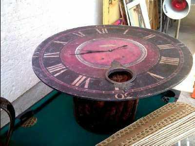 table basse horloge d 39 occasion. Black Bedroom Furniture Sets. Home Design Ideas