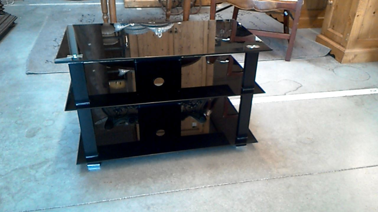 Meuble tele verre et metal noir d 39 occasion for Meubles occasion vaud